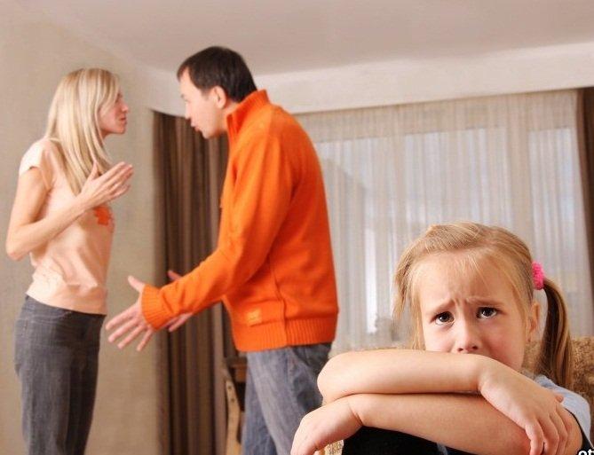 родственники требуют общения с ребенком