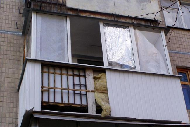 К делу о плохой обшивке балкона